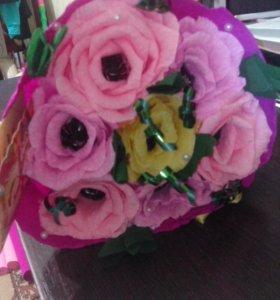 букет из 7 роз с Марсианкой