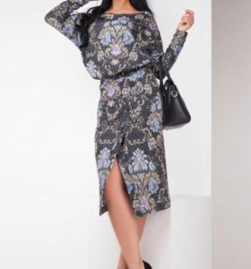 Продам платье размер 50-52