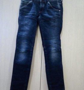 Продам джинсы 42-44размер