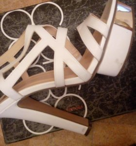 Босоножки белые на каблуке 37 - 37,5