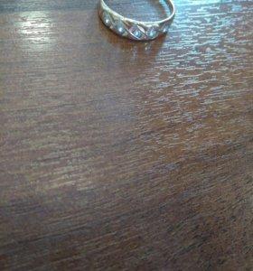 Кольцо женское золотое