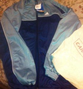 Новая спортивная куртка.