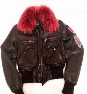 Продам куртку кожаную .