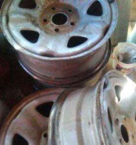 Шины , стойки на хонду црв 2007 гв, диски на Волгу
