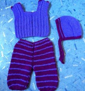 Продам вязаный костюм на девочку (0-3 месяца)