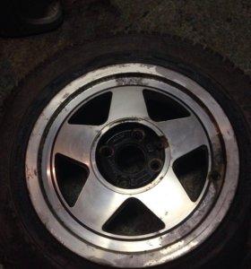 Литой диск с зимней резиной.одиночка