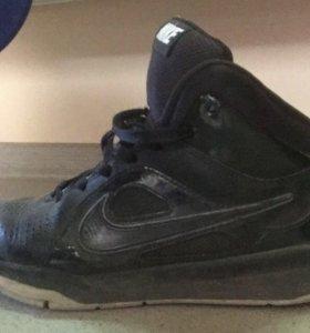 Кросы Nike originally