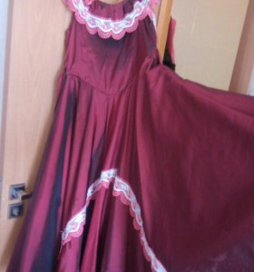Платье в пол на выпускной.