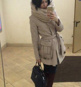 Пальто с натуральным мехом!