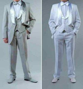 Смокинг, классический костюм.