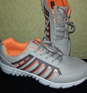 Мужские кроссовки новые ( р.45 )