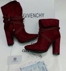 Givenchy ботильоны