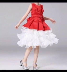 Розовое платье на девочку 5 лет