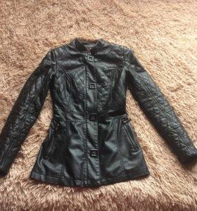 Куртка кожаная ( мягкая кожа)размер S.