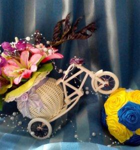 Велосипед с цветами, интерьерное украшение.