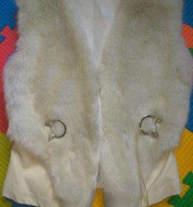 Меховая жилетка 42-44