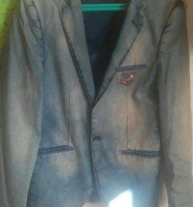 Продаю пиджак мужской