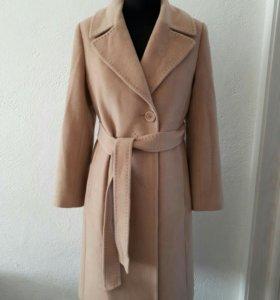 Пальто демисезонное. В идеальном состоянии. Р. 44