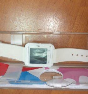 Умные часы swatch