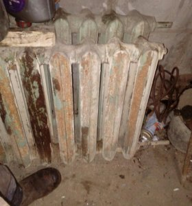 Радиаторы чугунные 19 секций 12 и 7