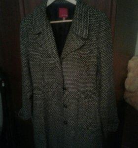 Пальто женское б/у в хорошем состоянии
