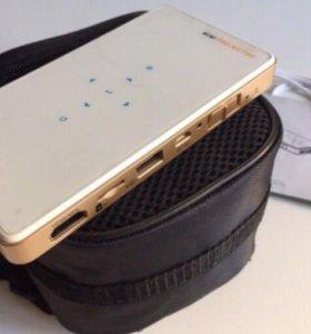 Мини-проектор