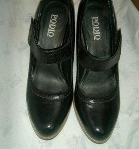 Туфли натуральная кожа.