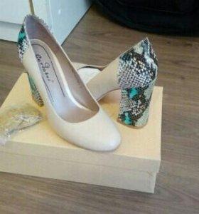 Туфли женские Carlabei