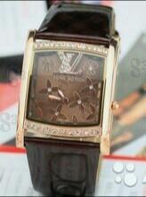 Часы новые lv