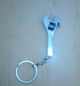 Брелок на ключи (разводной ключ)