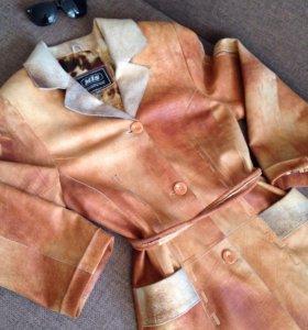 Кожаное Пальто плащ 42 персиково коричневый