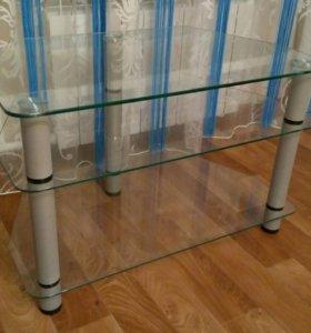 Стол стеклянный для телевизора.