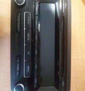 Головное устройство Volkswagen RCD 310