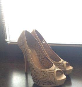 Туфли ALDO бежевые