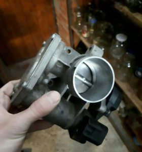Дроссель на 8кл мотор (ваз)