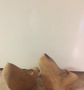 Туфли Casadei 40 разм