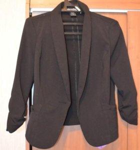 Пиджаки 40-42