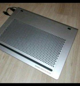 Охлаждающая подставка для ноутбука Zalman