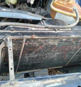 Радиатор охлаждения на Ауди 100 (С3)