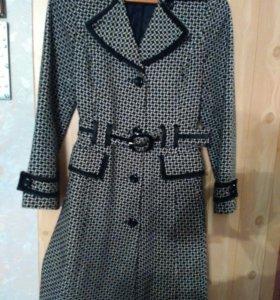Пальто в стиле Коко Шанель