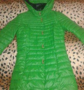 Демисезонная курточка р-р 42-44