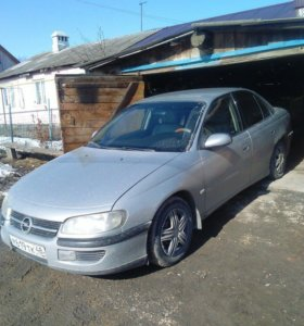 Opel Omega, 2.0. МТ, седан