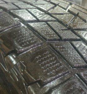 Bridgestone Blizzak DM-V1 R20 275/55