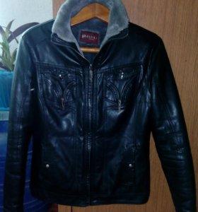Куртки, зимняя и весенняя по 700 любая