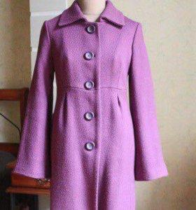 Пальто демисезонное утеплённое р-р 42-44