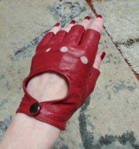 перчатки кожаные спортивные новые
