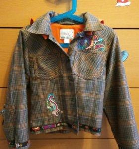 Пиджак для девочки на рост 122 см