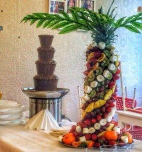 Шоколадный фонтан, сладкий стол