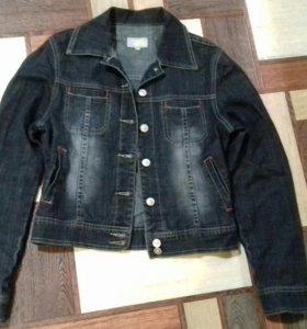 Курточка джинсовая. 42-44.