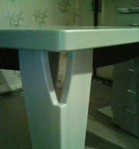 Стол кухонный.Не б/уДерево (массив)береза